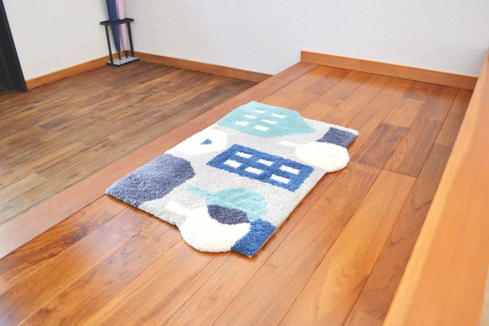米沢女子短期大学・米沢栄養大学生 女性専用シェアハウス「ぴーちぇすハウス」玄関