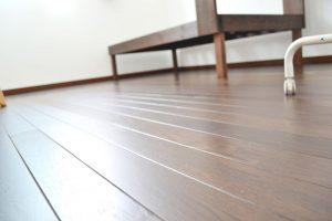 米沢女子短期大学・米沢栄養大学生 女性専用シェアハウス「ぴーちぇすハウス」フローリング床