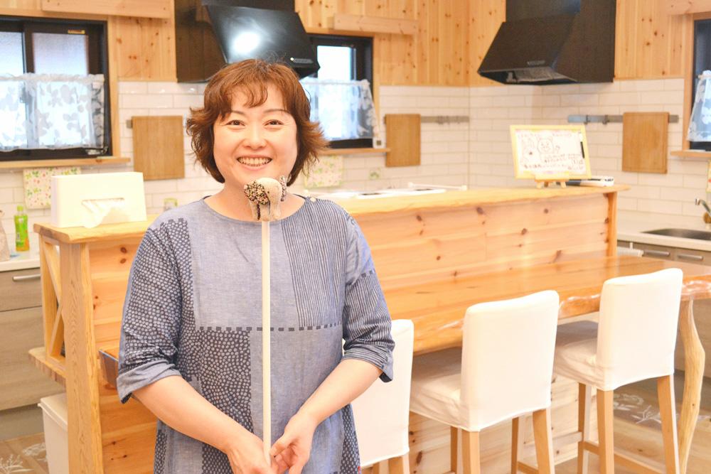 米沢女子短期大学・米沢栄養大学生 女性シェアハウス「ぴーちぇすハウス」管理人