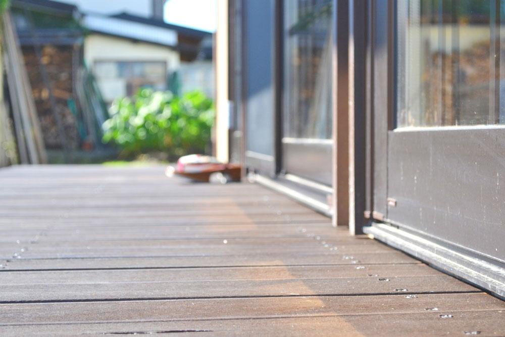 米沢女子短期大学・米沢栄養大学生 女性専用シェアハウス「ぴーちぇすハウス」ウッドデッキテラス
