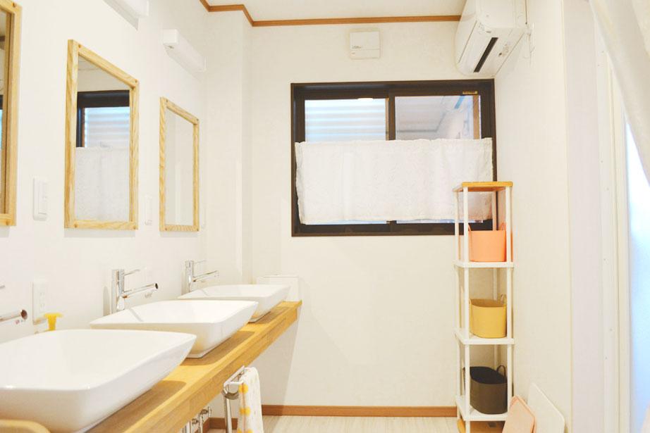 米沢女子短期大学・米沢栄養大学生 女性専用シェアハウス「ぴーちぇすハウス」1F洗面台