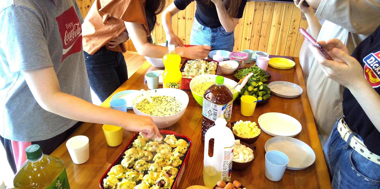 米短大・栄養大学生ぴーちぇすハウス歓迎会